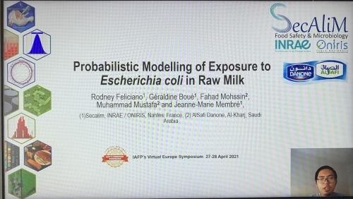 Poster presentation of R. Feliciano