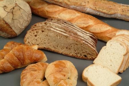 Les spores de moisissures, présentes dans l'air, sont susceptibles de contaminer les produits de boulangerie-viennoiserie-pâtisserie, pour ensuite se développer et former une colonie appelée mycélium